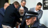 Julián Assange detenido en Londres