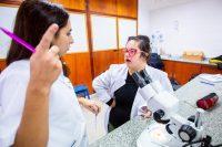 Eva Godoy en clase, foto La Nación