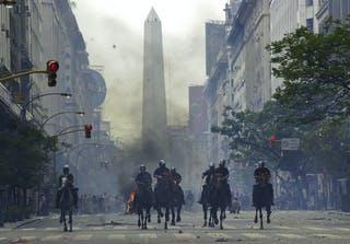 La economía Argentina toca fondo, ¿Puede haber un nuevo 2001?